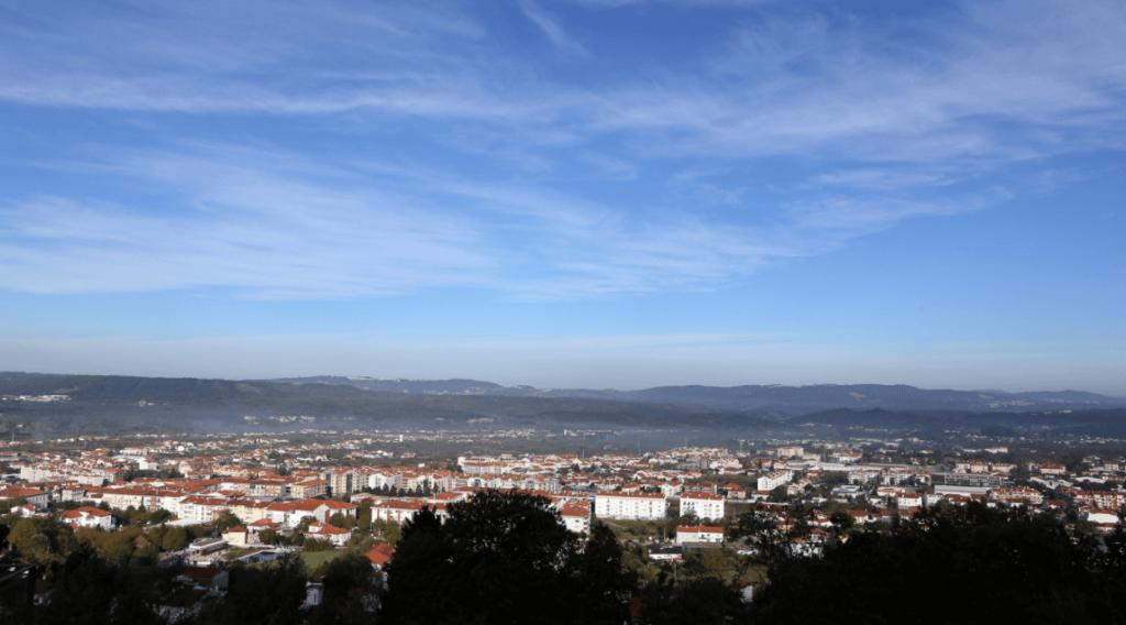 Vista do miradouro para a cidade